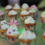 Bánh kem nhỏ home-made, 28 cái xếp thành con số 28